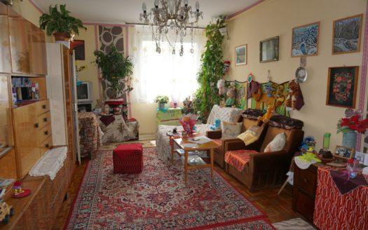 6532 Kecskemét Széchenyivárosban 57 nm-es 4. emeleti tégla lakás eladó 010
